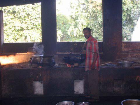 Rasthaus Küche auf der Fahrt nach Tiruvanumalei