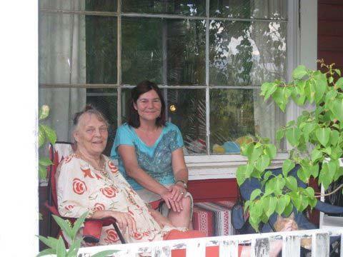 Wanja & K. Terasse vor W. house