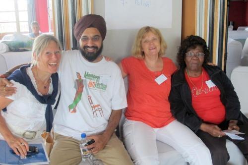 ein Querschnitt der internationalen Gemeinschaft Niederlande-Frankreich-Indien-USA-Deutschland-Surinam-Niederlande