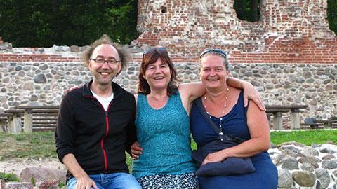 Freudiges Recontre mit meinen beiden Meistern in Estland von links nach rechts: Lars Holey Krishna Kloers Astrid Milvi Bagwitz