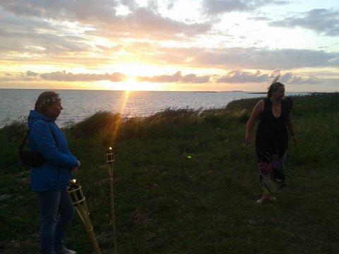 Vorbereitung zum Abschlussritual zum Sonnenuntergang